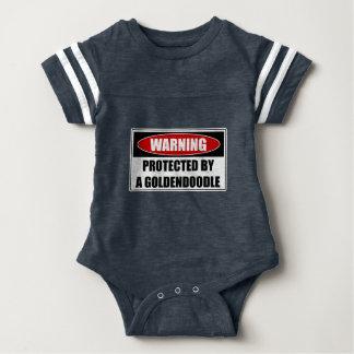 Body Para Bebê Protegido por um Goldendoodle