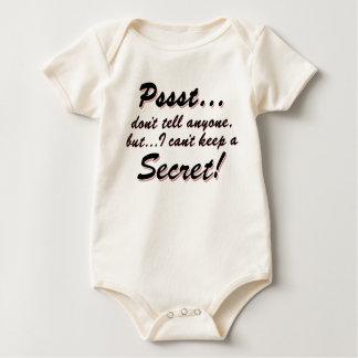 Body Para Bebê Pssst… eu não posso manter um SECRETO (o preto)
