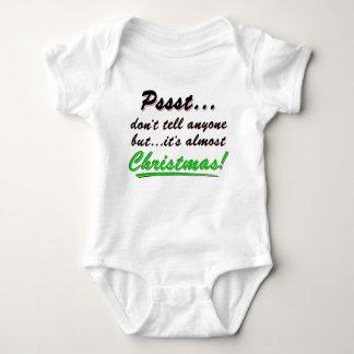 Body Para Bebê Pssst… quase NATAL (preto)