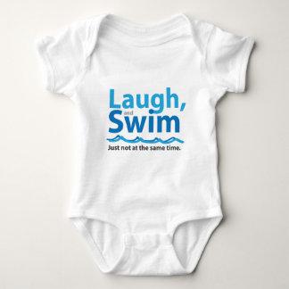 Body Para Bebê Riso e natação… apenas não ao mesmo tempo