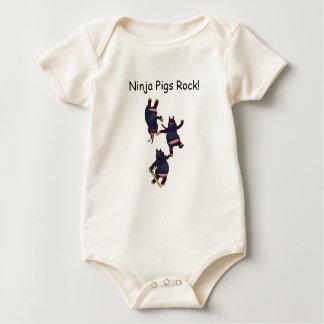 Body Para Bebê Rocha Onesee dos porcos de Wizard101 Ninja