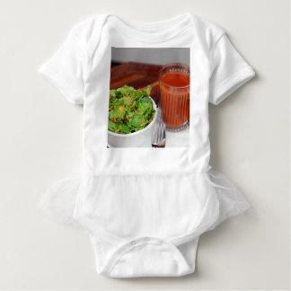 Body Para Bebê Salada de agrião do molho do tomate da cenoura do