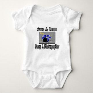 Body Para Bebê Salvar um golpe do cilindro… um fotógrafo