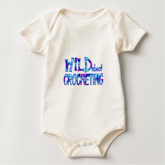 Body Para Bebê Selvagem sobre Crocheting