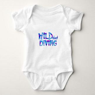 Body Para Bebê Selvagem sobre o mergulho