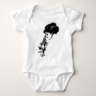 Body Para Bebê Senhora com um microscópio