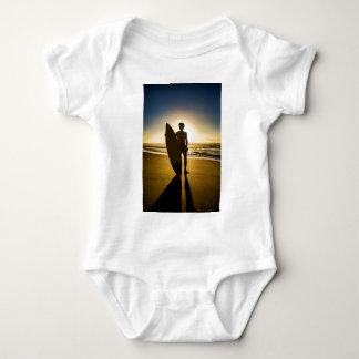 Body Para Bebê Silhueta do surfista durante o nascer do sol