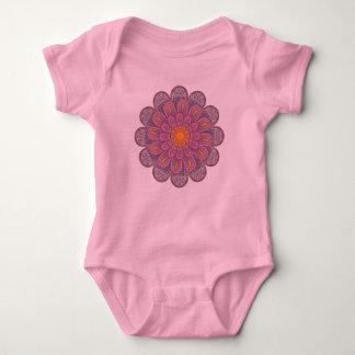 Body Para Bebê Teste padrão cor-de-rosa da mandala do Zinnia