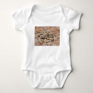 Body Para Bebê Tijolo e parede de pedra