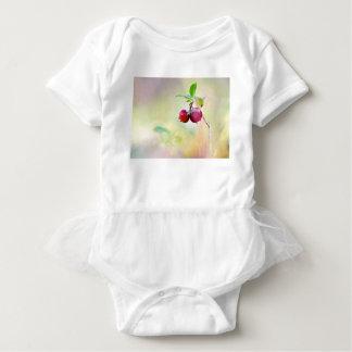 Body Para Bebê Tiro macro da airela que cresce na floresta