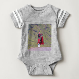 Body Para Bebê Tocador de gaita-de-foles escocês solitário,