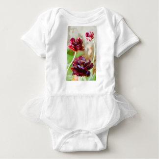 Body Para Bebê Trio de florescência da tulipa da peônia escura do