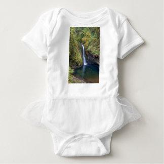 Body Para Bebê Uma mais baixa angra do montículo cai mergulhando