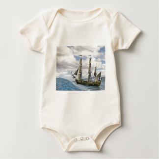 Body Para Bebê Uma navigação preta de Corveta entre grandes ondas