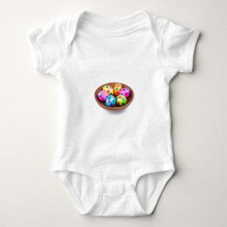 Body Para Bebê Vários ovos da páscoa pintados da galinha na bacia