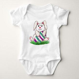 Bodysuit do bebê do coelhinho da Páscoa & do ovo Camisetas