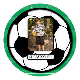 Bola de futebol da foto na festa de aniversário do convites personalizados