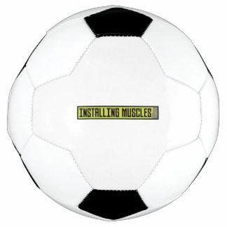 Bola De Futebol Instalando o exercício Zh1sq dos músculos