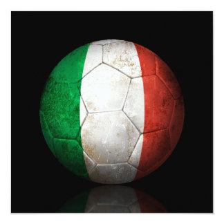 Bola de futebol italiana gasta do futebol de convite