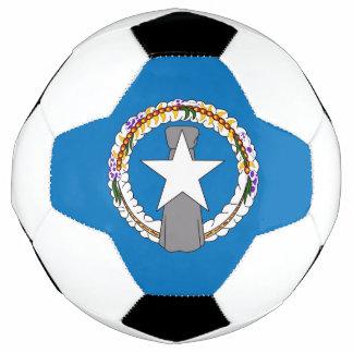 Bola de futebol patriótica com a bandeira do norte