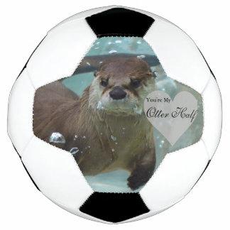 Bola De Futebol Sua minha natação da lontra de rio de Brown da