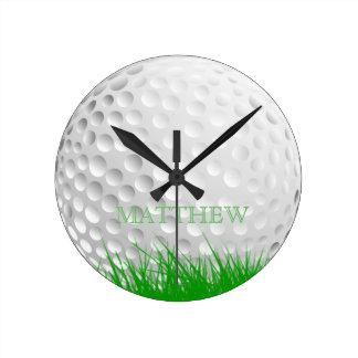Bola de golfe personalizada na grama relógio redondo