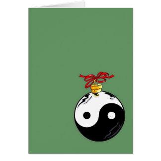 Bola do Natal de Yin & de Yang Cartão Comemorativo