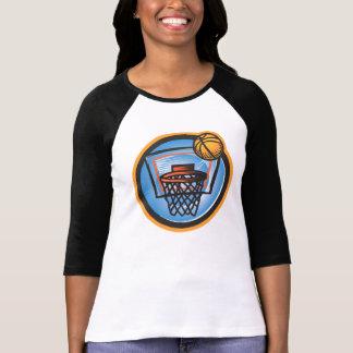 Bola sobre a cesta camiseta