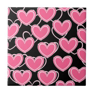 Bolhas do coração - rosa no preto azulejo
