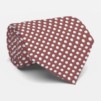 Bolinhas brancas em Marsala Gravata