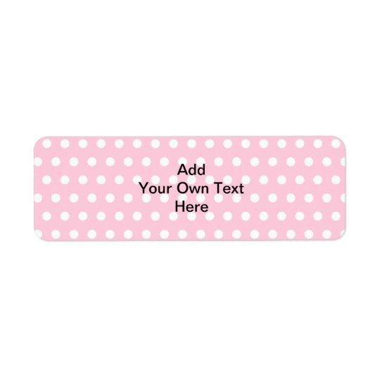 Bolinhas cor-de-rosa, com texto preto feito sob etiqueta endereço de retorno