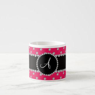 Bolinhas dos diamantes do rosa quente do monograma caneca de café