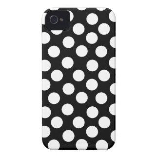Bolinhas pretas & brancas capas para iPhone 4 Case-Mate