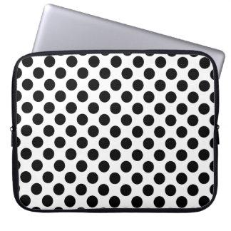 Bolinhas pretas capas para notebook