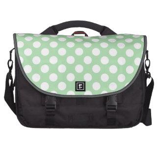 Bolinhas verdes do Celadon Bolsas Para Notebook