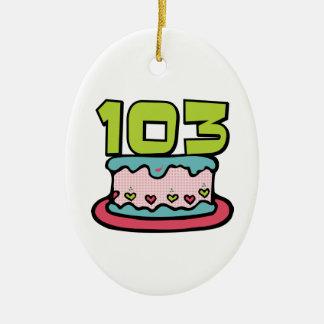 Bolo de aniversário das pessoas de 103 anos enfeite