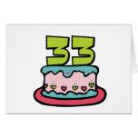 Bolo de aniversário das pessoas de 33 anos cartao