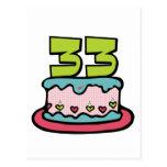 Bolo de aniversário das pessoas de 33 anos cartão postal