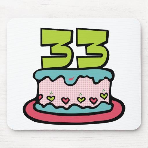 Bolo de aniversário das pessoas de 33 anos mousepads
