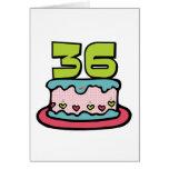 Bolo de aniversário das pessoas de 36 anos cartões