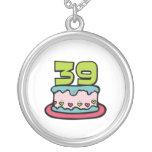Bolo de aniversário das pessoas de 39 anos bijuteria