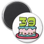 Bolo de aniversário das pessoas de 39 anos imã de refrigerador
