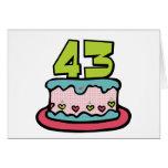 Bolo de aniversário das pessoas de 43 anos cartao