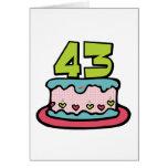 Bolo de aniversário das pessoas de 43 anos cartões