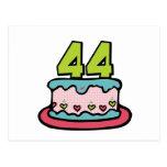 Bolo de aniversário das pessoas de 44 anos cartões postais