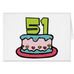 Bolo de aniversário das pessoas de 51 anos cartão
