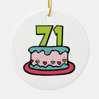 Bolo de aniversário das pessoas de 71 anos ornamentos