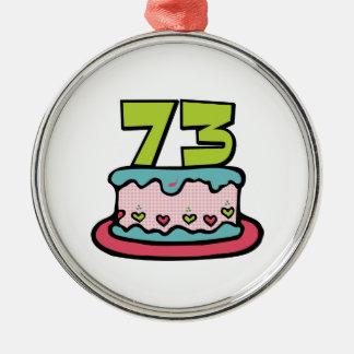 Bolo de aniversário das pessoas de 73 anos ornamento redondo cor prata