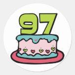 Bolo de aniversário das pessoas de 97 anos adesivos em formato redondos
