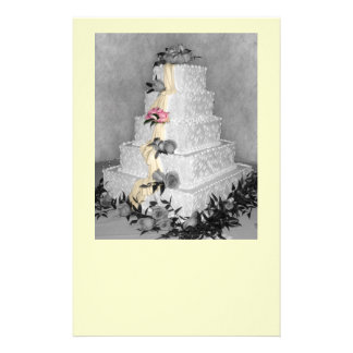Bolo de casamento papéis personalizados